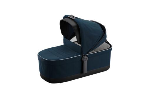 thule sleek navy blue bassinet sufflett